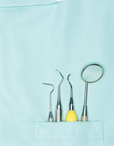 Fear「Dentist's tools in pocket, close-up」:スマホ壁紙(16)