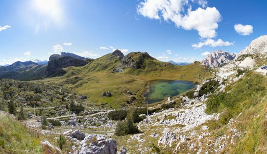 ヨーロッパアルプス「Italy, Veneto, Valparola Pass, Lago di Valparola」:スマホ壁紙(9)