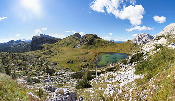 Italy, Veneto, Valparola Pass, Lago di Valparola:スマホ壁紙(壁紙.com)