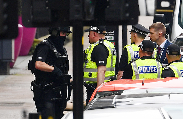 Glasgow - Scotland「Police Officers Shoot Knifeman Dead In Central Glasgow Hotel」:写真・画像(7)[壁紙.com]