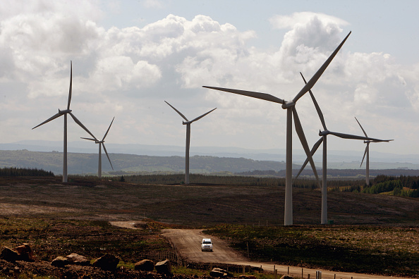 Windmill「Europe's Largest Onshore Wind Farm Is Switched On」:写真・画像(14)[壁紙.com]