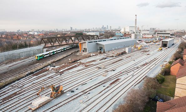 Urban Skyline「A low-level aerial view of the new rail maintenance depot at New Cross Gate, South London on 21 January 2009 showing the depot under construction and a South Central service passing under the recently installed flyover.  It is a joint venture between Bal」:写真・画像(12)[壁紙.com]