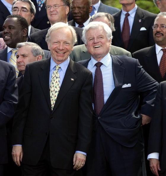 Social Security「Senate Democrats Lead March Against Social Security Privatization」:写真・画像(18)[壁紙.com]