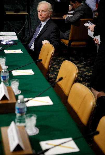 Waiting「Senate Budget Committee Holds Hearing On Proposals For Fiscal Stability」:写真・画像(11)[壁紙.com]