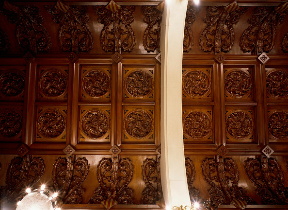 Ceiling「View of a carved wooden ceiling」:写真・画像(5)[壁紙.com]