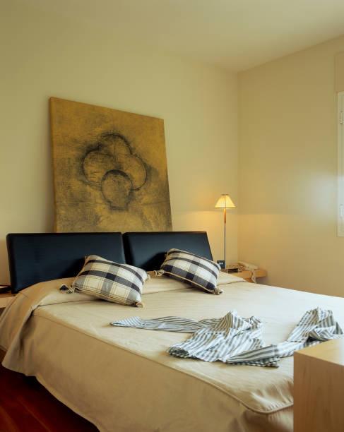 View of a cozy bedroom:ニュース(壁紙.com)