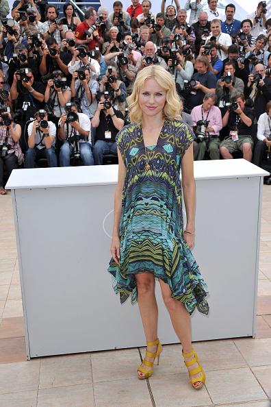 Sundress「You Will Meet A Tall Dark Stranger Photocall - 63rd Cannes Film Festival」:写真・画像(11)[壁紙.com]