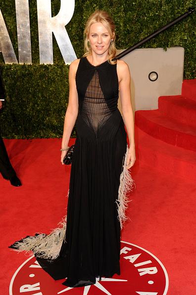 Half Up Do「2011 Vanity Fair Oscar Party Hosted By Graydon Carter - Arrivals」:写真・画像(16)[壁紙.com]