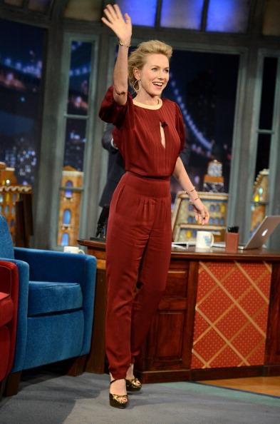 "Keyhole Neckline「Naomi Watts Visits ""Late Night With Jimmy Fallon""」:写真・画像(13)[壁紙.com]"