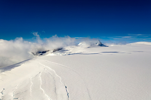 UNESCO「Hvannadalshnukur Peak, Vatnajokull Ice Cap, Vatnajokull National Park, Iceland」:スマホ壁紙(6)