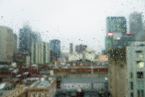 Focus On Foreground「Gloomy City Rain」:スマホ壁紙(12)