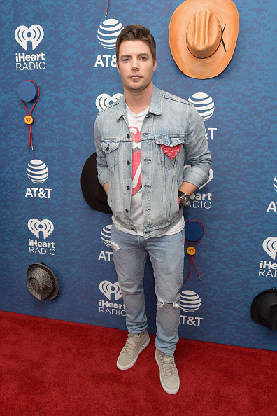 Fully Unbuttoned「2018 iHeartCountry Festival By AT&T - Red Carpet」:写真・画像(0)[壁紙.com]