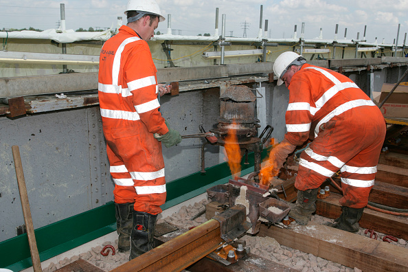Replacement「Joining track sections using thermit welding. Peterborough. May 2005」:写真・画像(9)[壁紙.com]