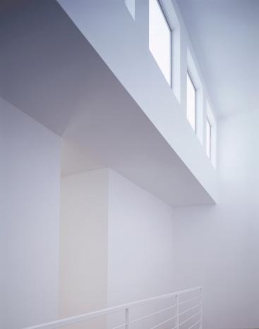 Postmodern「White Interior with Windows」:スマホ壁紙(4)