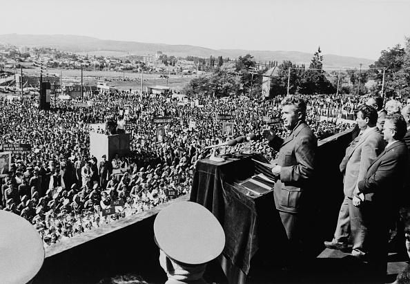 Speech「President Ceausescu」:写真・画像(9)[壁紙.com]
