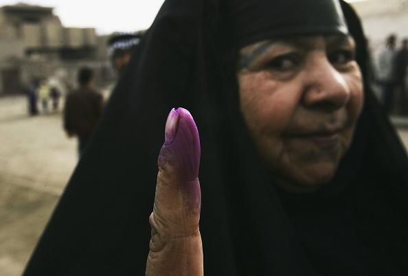 Focus On Foreground「Iraqis Vote in Sadr City」:写真・画像(14)[壁紙.com]