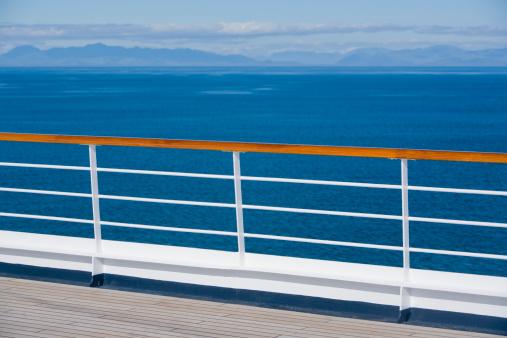 Cruise - Vacation「Ship's railing」:スマホ壁紙(10)