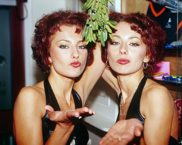 Mistletoe「The Cheeky Girls」:写真・画像(13)[壁紙.com]