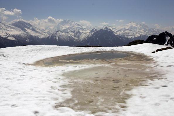 アレッチ氷河「Aletsch Glacier Retreat Continues」:写真・画像(10)[壁紙.com]