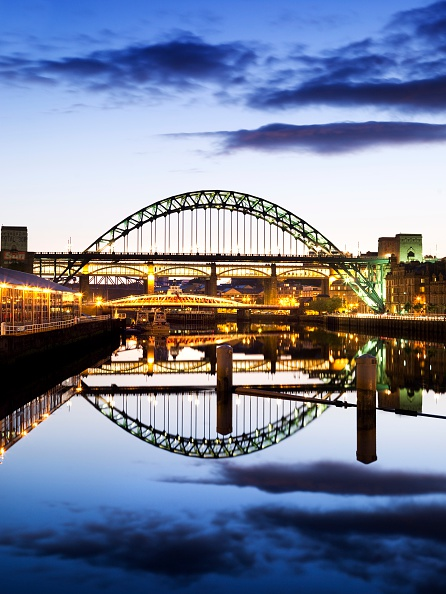 Bridge - Built Structure「Bridges over the River Tyne, Newcastle upon Tyne, 2008」:写真・画像(5)[壁紙.com]