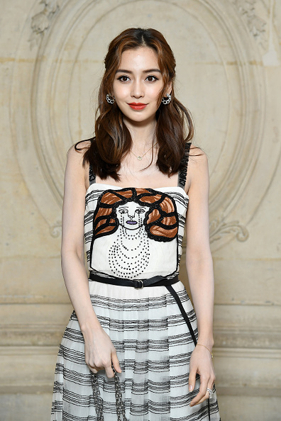 Angelababy「Christian Dior : Photocall - Paris Fashion Week Womenswear Fall/Winter 2018/2019」:写真・画像(19)[壁紙.com]