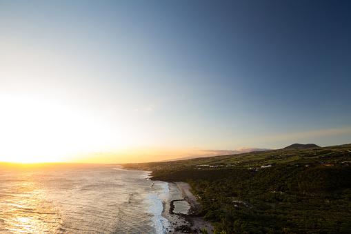 Reunion Island「Sunset above the famous Grande Anse beach, Réunion」:スマホ壁紙(14)