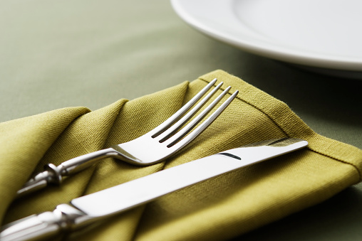 Fork「Close-up shot of green table setting with copy space」:スマホ壁紙(16)