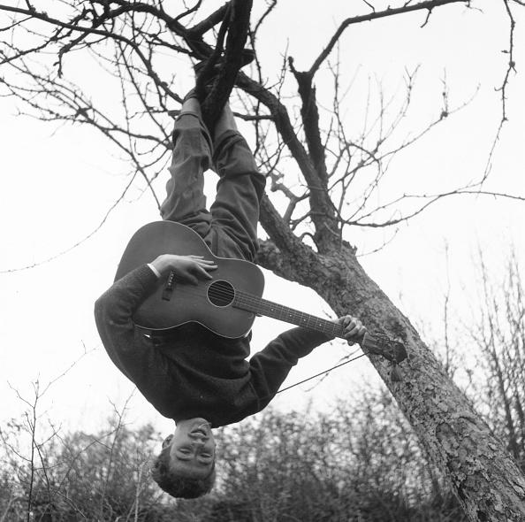 ギター「Swinging Guitarist」:写真・画像(0)[壁紙.com]