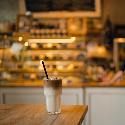 Coffee - Drink「Ice coffee on a table in a coffee shop」:スマホ壁紙(6)