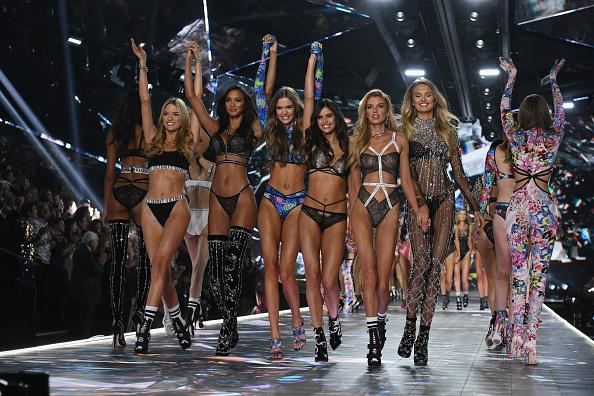 Fashion show「2018 Victoria's Secret Fashion Show - Runway」:写真・画像(2)[壁紙.com]