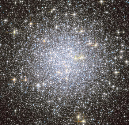 星空「Messier 53, globular cluster in the Coma Berenices constellation.」:スマホ壁紙(17)