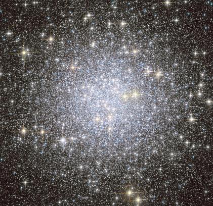 star sky「Messier 53, globular cluster in the Coma Berenices constellation.」:スマホ壁紙(3)