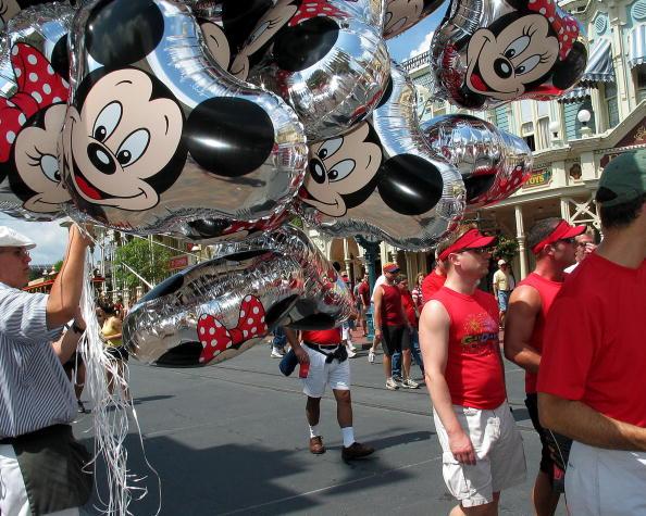 Magic Kingdom「Gay Days Celebrated At Walt Disney World 」:写真・画像(13)[壁紙.com]