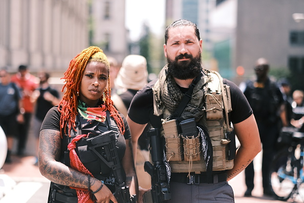 Carrying「Open Carry Protest Held In Richmond, Virginia On Independence Day」:写真・画像(15)[壁紙.com]