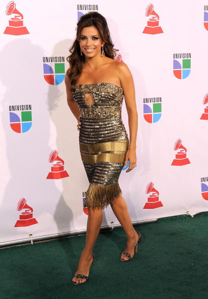 Bronze Colored「Latin GRAMMY Awards - Arrivals」:写真・画像(10)[壁紙.com]