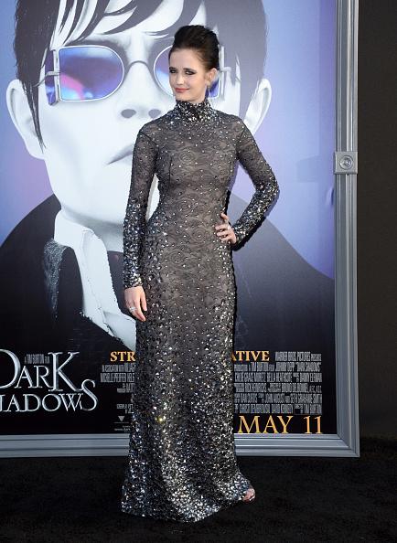ダーク・シャドウ「Premiere Of Warner Bros. Pictures' 'Dark Shadows' - Arrivals」:写真・画像(8)[壁紙.com]