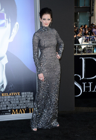 ダーク・シャドウ「Premiere Of Warner Bros. Pictures' 'Dark Shadows' - Arrivals」:写真・画像(8)[壁紙.com]