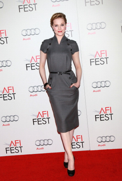 Gray Dress「AFI FEST 2011 Presented By Audi - LA Times Young Hollywood Roundtable」:写真・画像(17)[壁紙.com]
