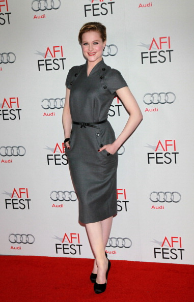 Gray Dress「AFI FEST 2011 Presented By Audi - LA Times Young Hollywood Roundtable」:写真・画像(18)[壁紙.com]