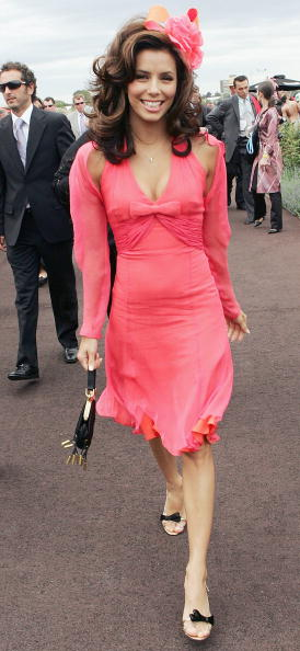 Melbourne Cup Carnival「2005 Derby Day Fashions On The Field」:写真・画像(10)[壁紙.com]