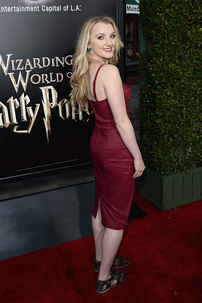 """Evanna Lynch「Universal Studios Hollywood Hosts The Opening Of """"The Wizarding World Of Harry Potter"""" - Arrivals」:写真・画像(14)[壁紙.com]"""