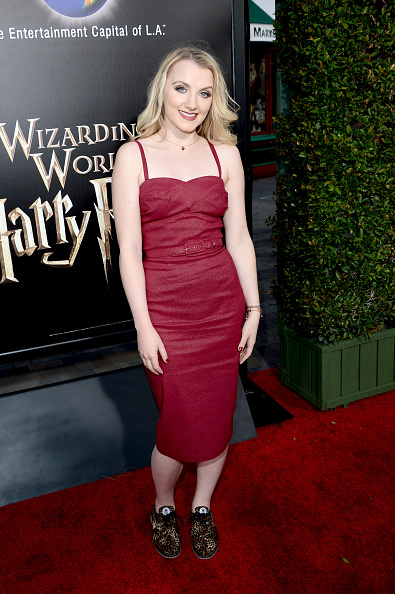 """Evanna Lynch「Universal Studios Hollywood Hosts The Opening Of """"The Wizarding World Of Harry Potter"""" - Arrivals」:写真・画像(13)[壁紙.com]"""