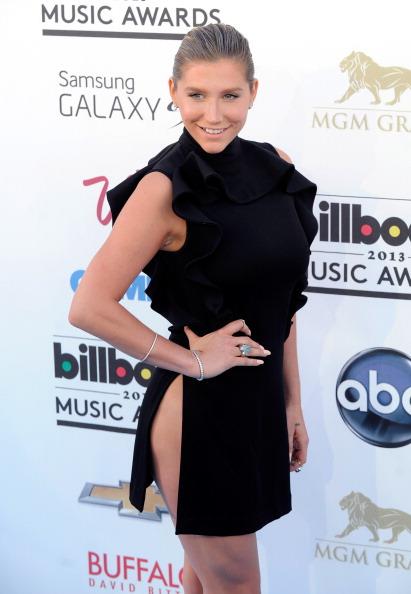 Slit - Clothing「2013 Billboard Music Awards - Arrivals」:写真・画像(7)[壁紙.com]