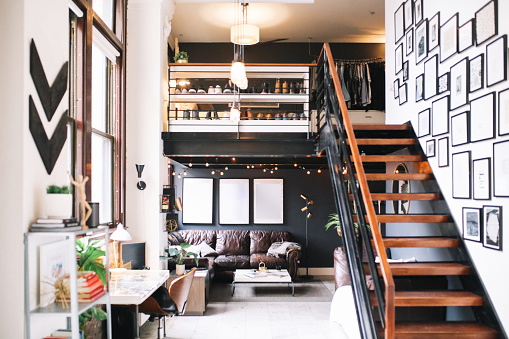 Black Color「Cozy loft apartment interior in Downtown Los Angeles」:スマホ壁紙(12)