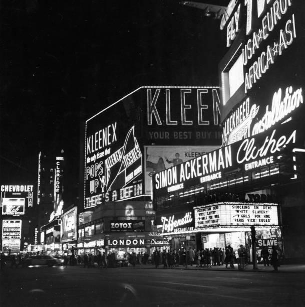 New York Broadway:ニュース(壁紙.com)