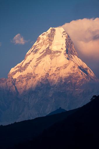 Ama Dablam「Mount Ama Dablam at Sunset」:スマホ壁紙(2)