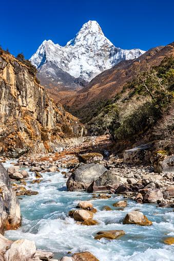 Ama Dablam「Mount Ama Dablam in Everest region」:スマホ壁紙(0)