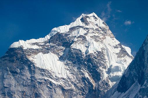 Khumbu「Mount Ama Dablam in Nepal Himalayas」:スマホ壁紙(4)