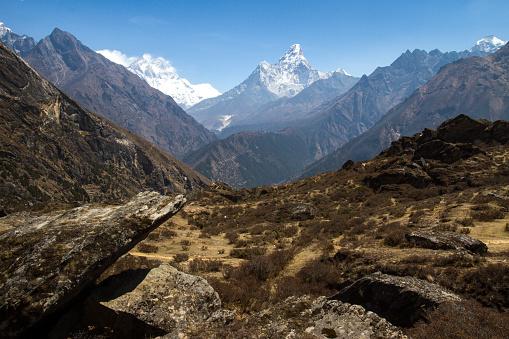 Khumbu「Mount Ama Dablam in Nepal Himalayas」:スマホ壁紙(12)