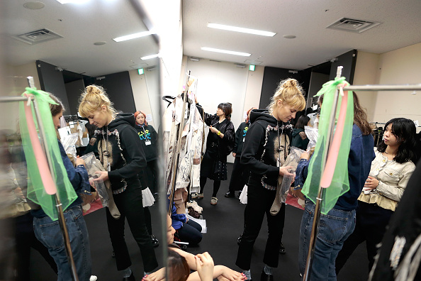 Yuya Shino「Anne-Sofie Madsen S/S 2017 Collection - Backstage - Amazon Fashion Week TOKYO」:写真・画像(12)[壁紙.com]